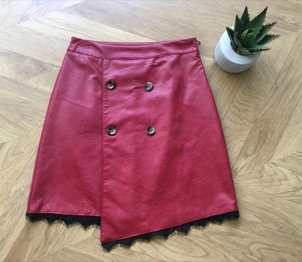 falda asimetrica cuero