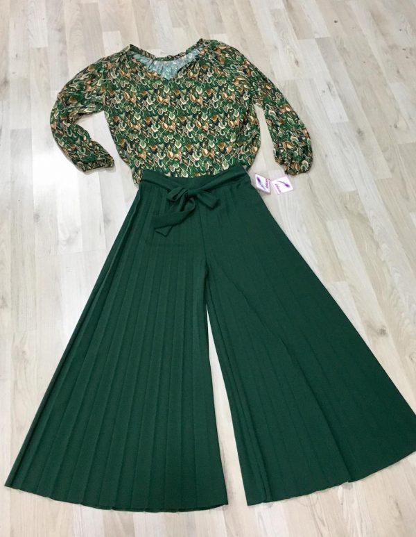 Falda plisada verde
