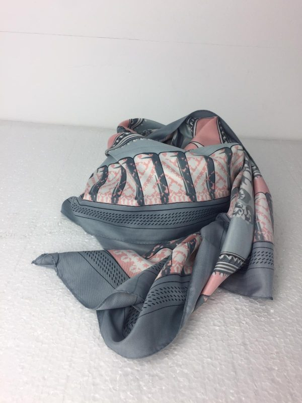pañuelo abanico gris y rosa
